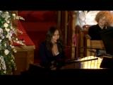 Близкая подруга Alicia Keys поет на похоронах Уитни Хьюстон. 18 февраля 2012