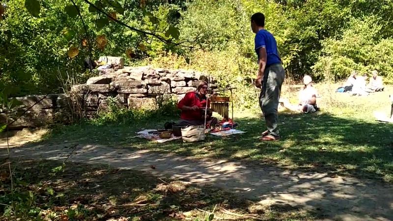 Игорь Титченко играет на глюкофоне и тубафоне Координаты дольменов Геленджика Река Жане