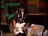 Jeff Beck demonstrating