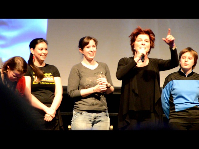 Kate Mulgrew talks about the ending of Voyager and other things - Star Trek Destination London