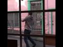 Сражение Тома Харди с инопланетным симбионтом в фильме «Веном».