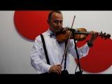 Турецкий музыкант Метин Батур помогает крымскотатарским  школам