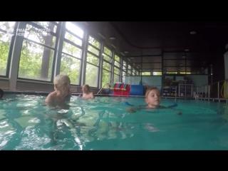 Самый старый инструктор по плаванию в мире