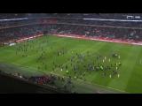 Фанаты «Лилля» выбежали на поле и атаковали игроков после матча с «Монпелье»