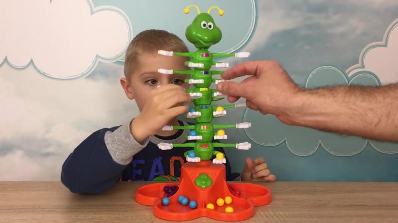 Детская Игра Танцующая гусеница! Веселый Челлендж и Распаковка. -- Giggle Wiggle Game unboxing