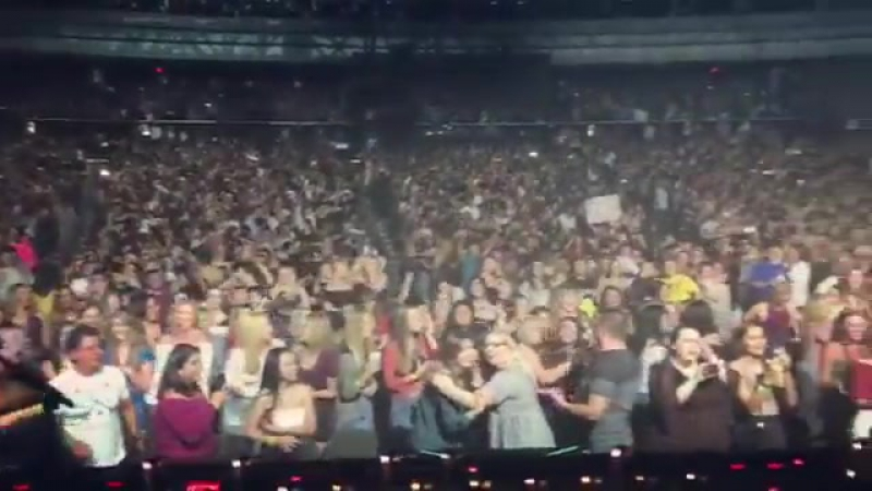 Clare posted this video of Harry the crowd from Phoenix