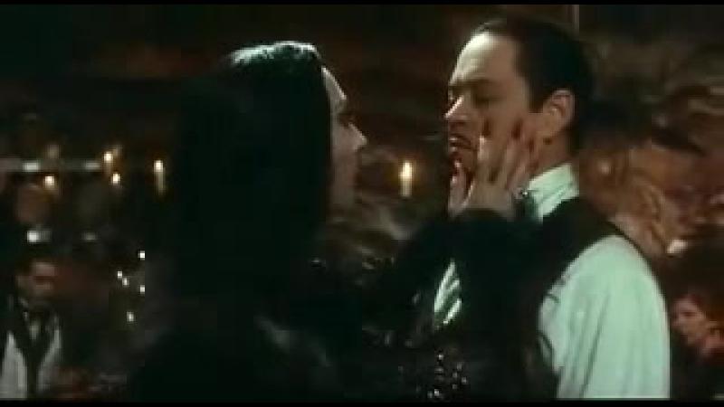 Фантастический танец страсти из фильма Семейка Адамс