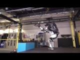Boston Dynamics научила человекоподобного робота Atlas прыгать и делать сальто. / Whats new, Atlas [Рифмы и Панчи]