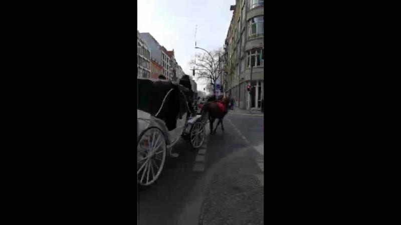 ROMANTIK-KIEZ BY HORSE