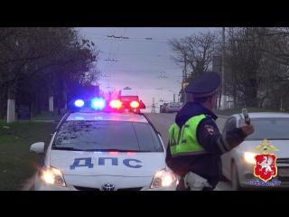 Севастопольские автоинспекторы проверяют безопасность детей-пассажиров во время поездок в автотранспорте