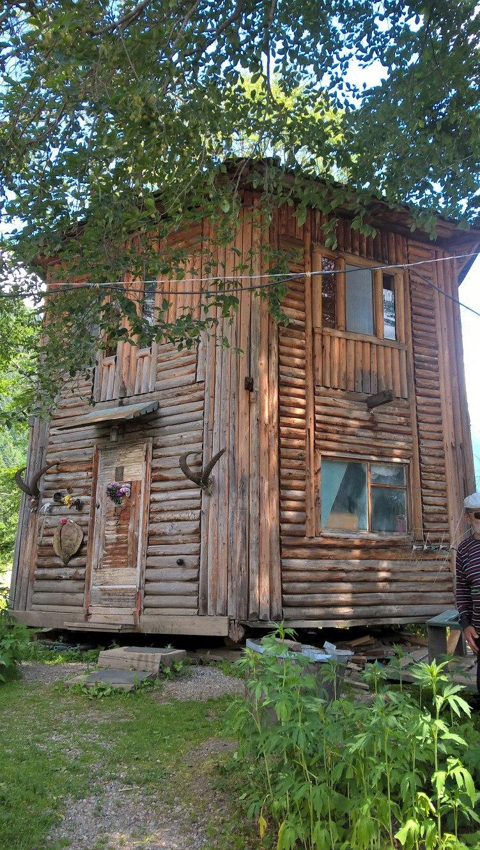 """""""Дом на одной ноге"""" в Архызе"""