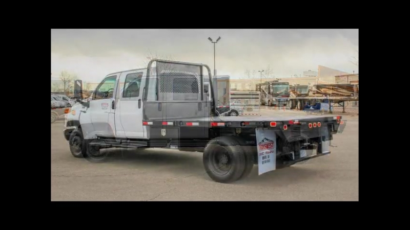 2004 GMC C4500 CREW CAB FLATBED HAULER - Transwest Truck Trailer RV (Stock 5U180048)