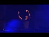 Gareth Emery plays 'Saving Light' at EDC Las Vegas
