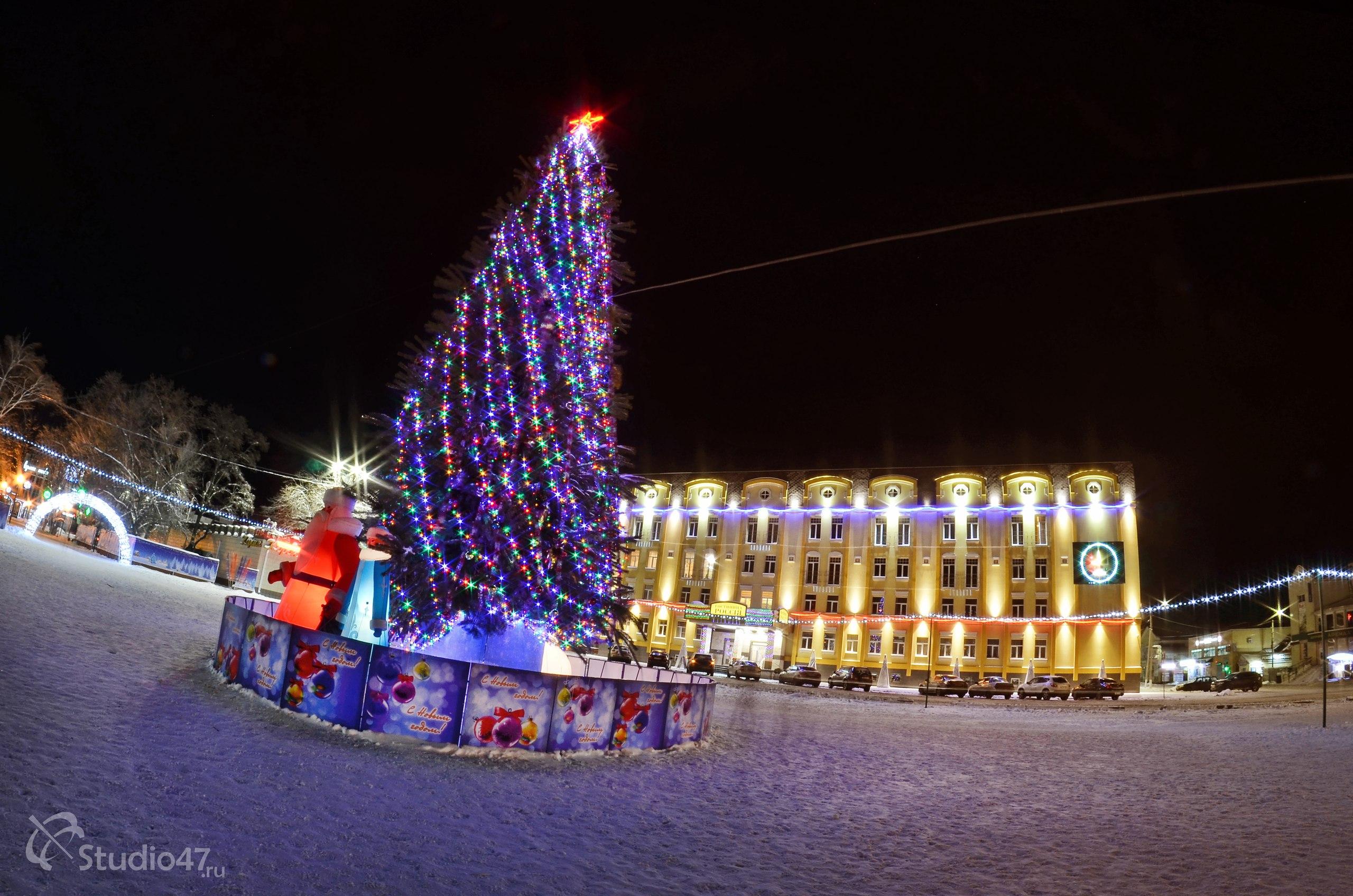 Новогодняя ёлка на площади Ленина в Борисоглебске