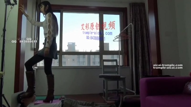Trample worship brown boots Chinese girl
