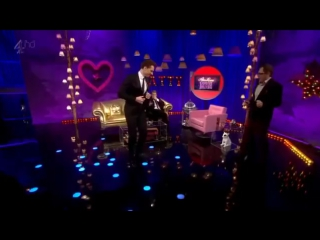 Tom Hiddleston Dancing on the Alan Carr Show