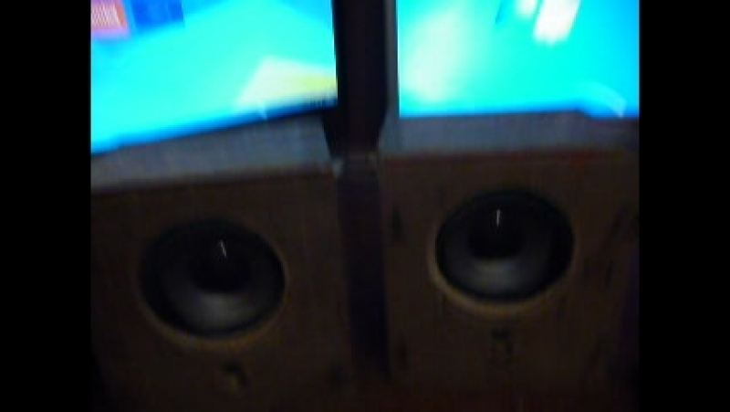Первое включение. Самодельная малогобаритная акустическая система. Работа саббуфера.