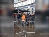 Петербуржцы устроили массовую драку из-за места в очереди за билетами на ЧМ