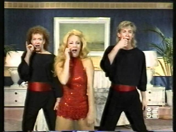 Imitazione Gianna Martorella di Heather Parisi a Grand Hotel con Bryan and Garrison