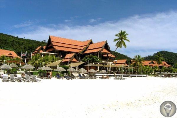 Самые красивые острова Малайзии 1. Лангкави Остров Лангкави недаром является самым известным и самым популярным малайзийским островом, ведь, во-первых он представляет собой архипелаг 99