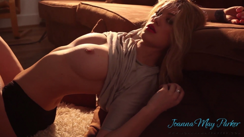 SExy naked blonde Joanna May Parker