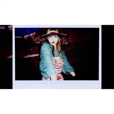 "BLΛƆKPIИK on Instagram: ""BLACKPINK 블랙핑크 ROSÉ 로제 LISA 리사 데이즈드코리아 DazedKorea 멀버리 MulberryEngland YG"""