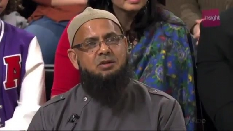 Muslim Imam explain to infidels how Islam allows Polygamy