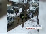 В Ярославле машина полиции столкнулась с БТР