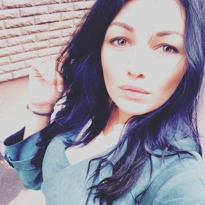 Леся Хазанова