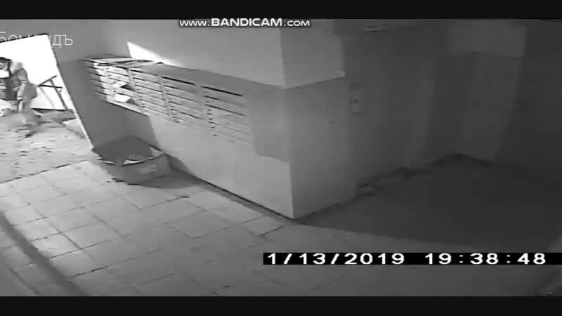 Нападение на девушку в лифте в Курске. Девушка вырвалась и убежала, в полицию она не обращалась,.mp4