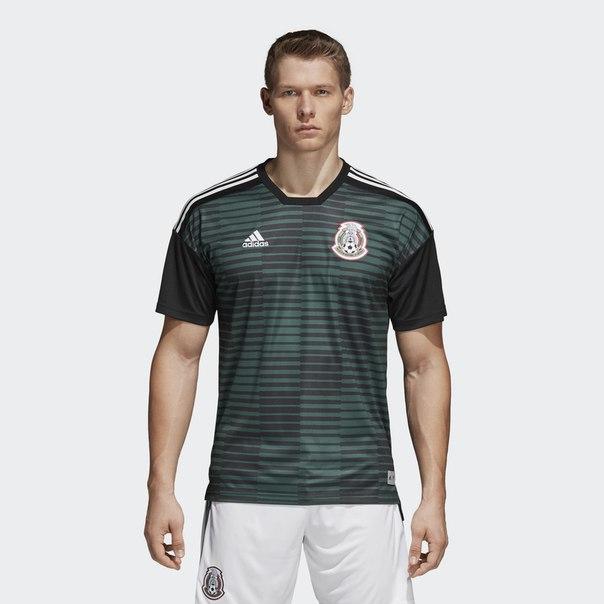 Предматчевая футболка сборной Мексики