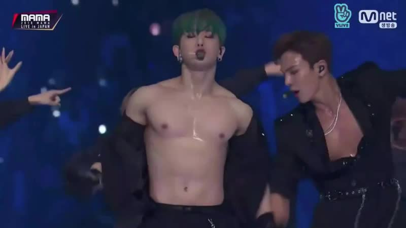 [VK][181212] Wonho ripping his shirt off @ MAMA 2018