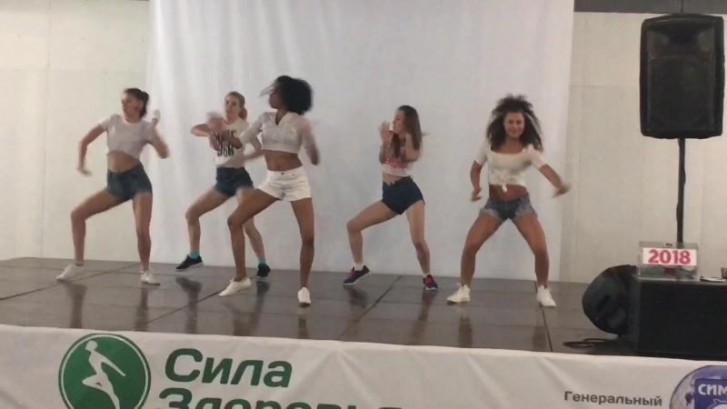 Мисли Гонсалес (Misle Gonzalez) и девчата на фестивале Сила Здоровья, 29 апреля 2018
