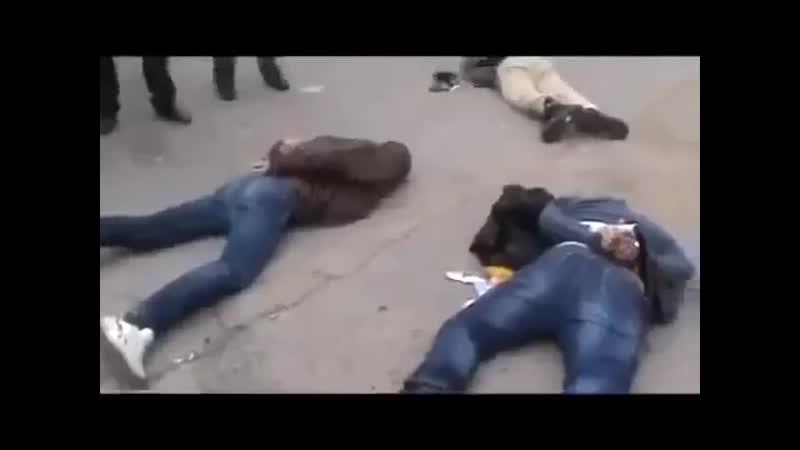 Чутово (Харьковская обл). 12 апреля, 2104. Задержанные милицией правоски из ПС.