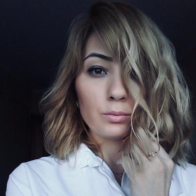 Лана Богазова