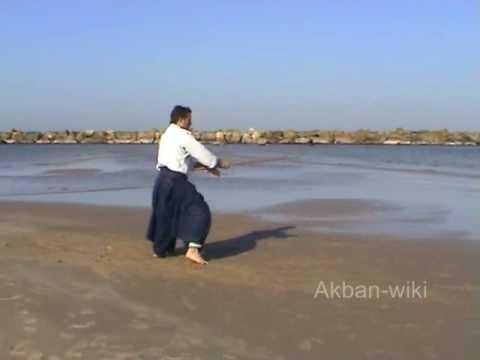 Jo suburi hidari nagare gaeshi uchi Aikido in the Akbanwiki