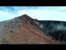 Кратер Авачинского вулкана- фумароллы, сера и застывшая порода и панорама