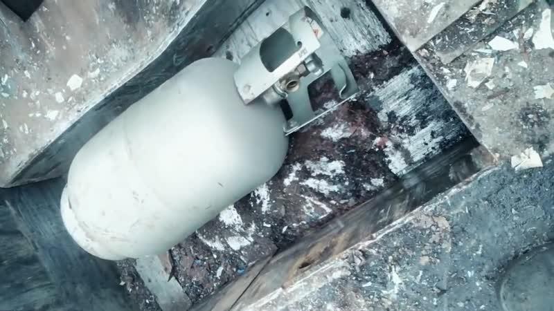 5000 tons hydraulic press VS gas tank