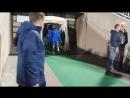 Шуточная схватка Беседина и Гармаша перед тренировкой.mp4