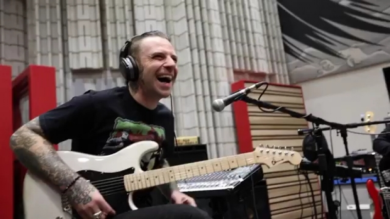 Stone Sour Preview of the track Subversive чя