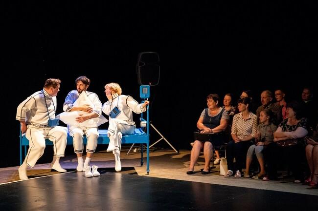 Культавы спектакль Купалаўскага тэатра «Радзіва «Прудок» адправіцца ў 10-дзённы тур «Палескія хронікі»