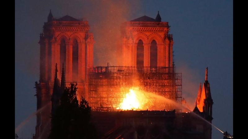 Veja em direto Incêndio descontrolado na Catedral de Notre-Dame de Paris