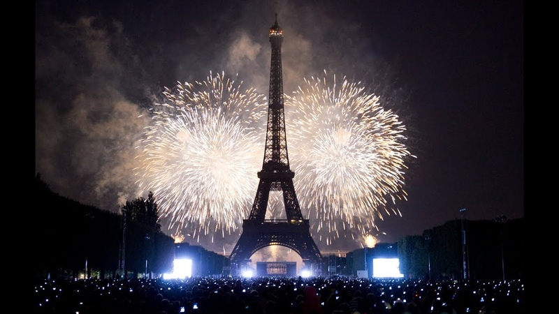 Paris New Year Celebration 2018 Fireworks Full HD 1080p   France New year's Eve   Eiffel Tower