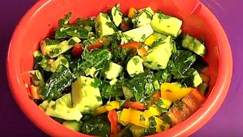 Огурцы на зиму. Вкуснейший салат из огурцов с перцем.