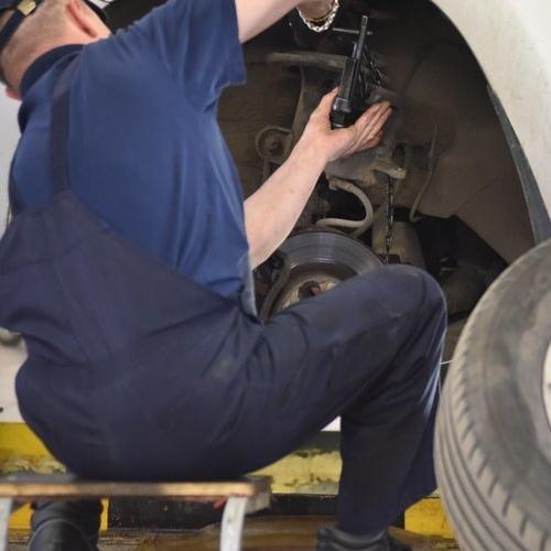 Сколько россияне тратят на ремонт машин