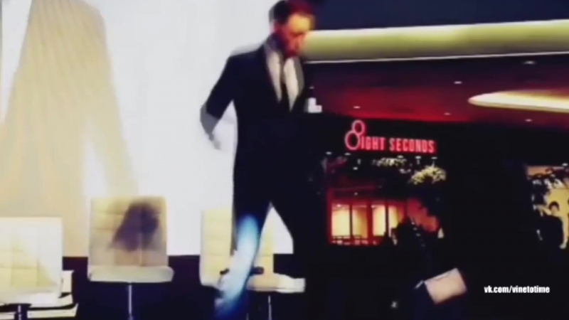 Том Хиддлстон танцует / Tom Hiddleston dance