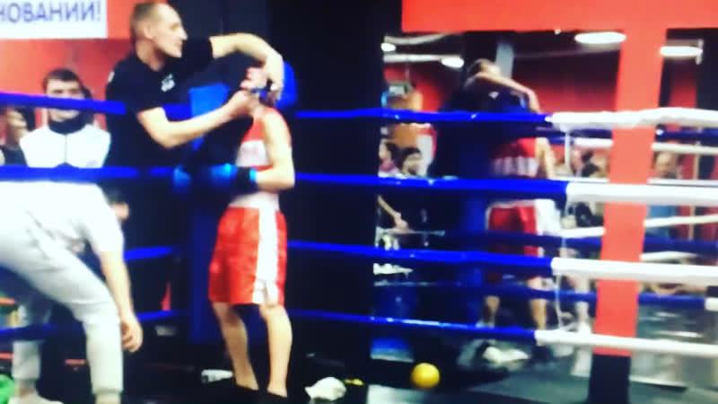 Моя История🥊👊🥊 Это бокс Если ты втянулся в свору, те не страшен грозный спор! Вот так вот без страха идет парень рубаха