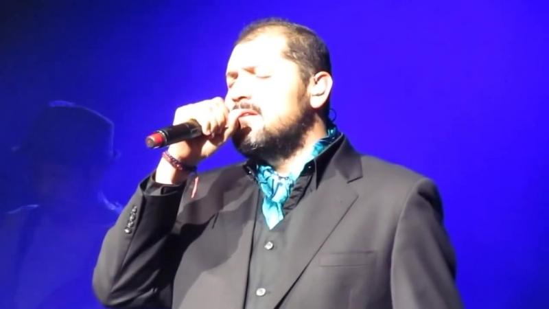 (LIVE) Te Dejare de Amar (Reyli) @ Gibson Amphitheater 2012