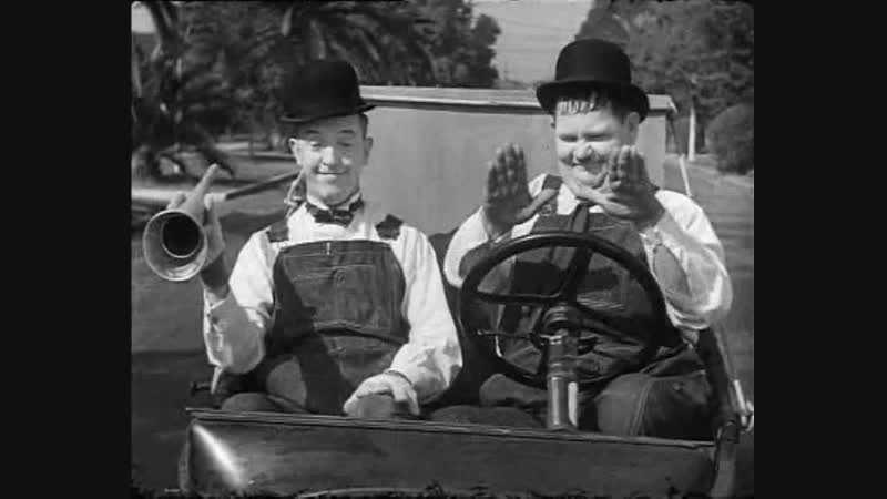 Laurel and Hardy - Towed In A Hole - 1932