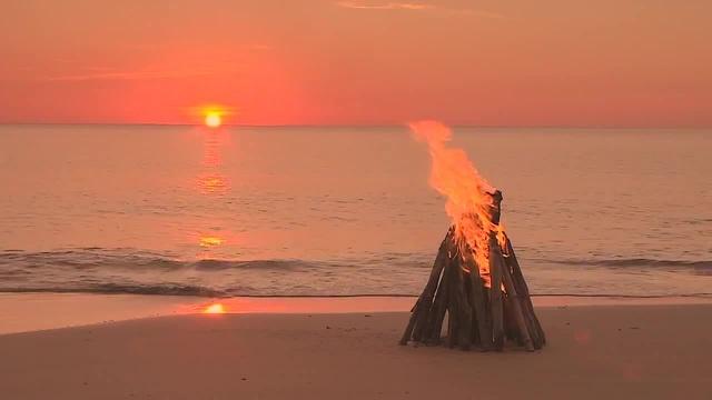 Campfire by the Beach - Ocean Waves
